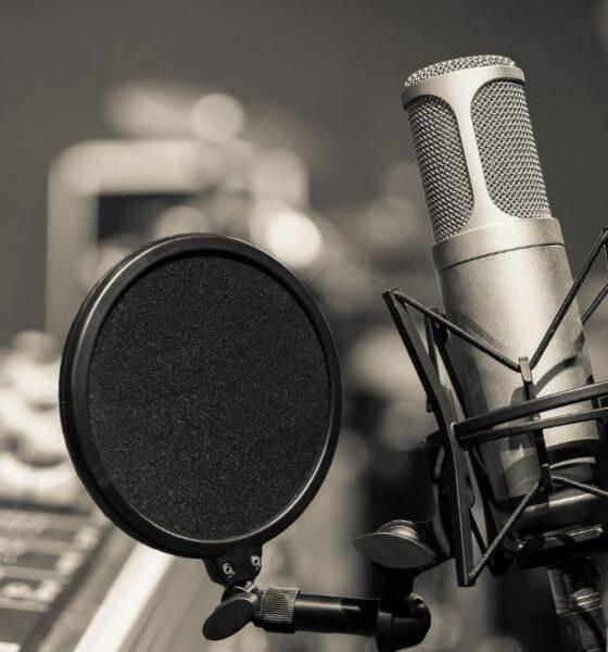 Como atrapan el sonido los micrófonos de la radio