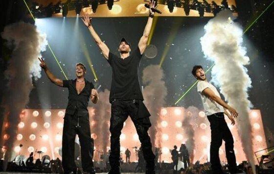 Enrique Iglesias y Ricky Martin inician gira con invitado
