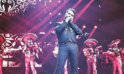 Alejandro Fernández llora en pleno concierto