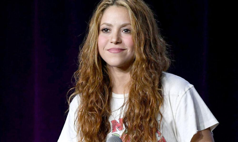 Shakira enseña a jugar para el Mundial de Globos