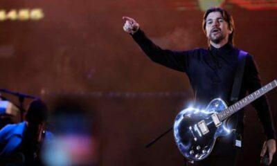 Juanes invita a un fanático al escenario